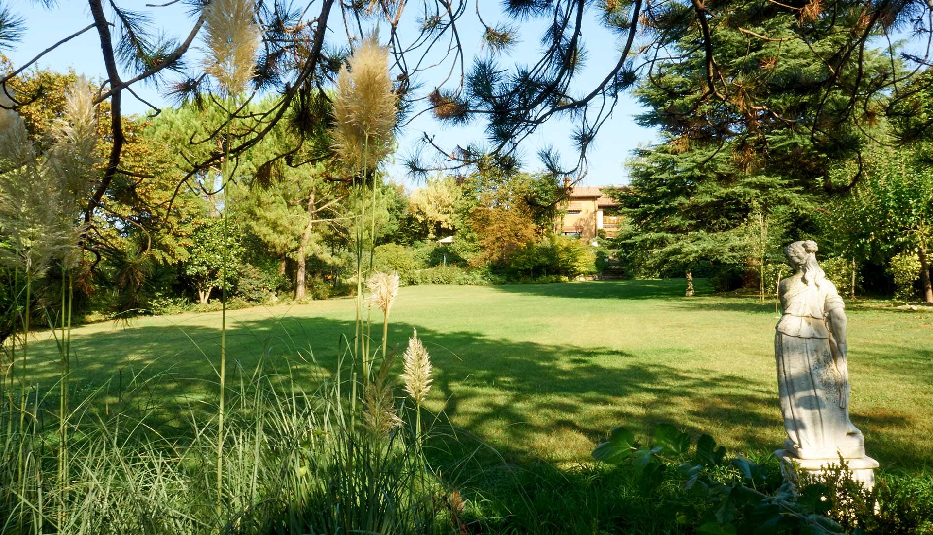 forbici-progettare-giardini-ville-hotel-residence